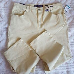 Gloria Vanderbilt Amanda light dandelion jeans